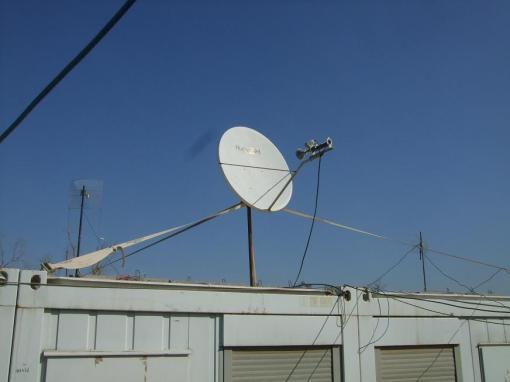 Iraqi ghetto rigged satellite dish. Nice.